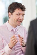 Claas Eylers von  Eylers Performance Consulting, Berlin - Teamentwicklung, Projektmanagement, Change Management, Organisationsentwicklung, Organisationsberatung, Führungskräfte-Training, Veränderungsmanagement, Systemische Organisationsberatung und -entwicklung